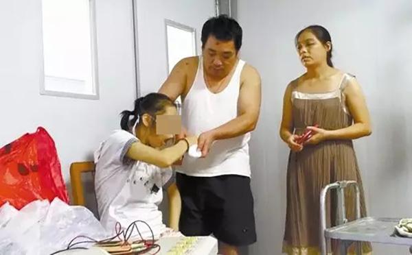 2016年9月19日,小悦在桂林市第二人民医院做康复治疗。本文图均为 南国今报微信公众号 图