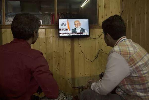 ▲资料图片:当地时间3月27日,印度总理莫迪发表电视讲话,称印度已用反卫星导弹成功击落一颗低轨道卫星。(新华社 摄影记者:贾维德·达尔)