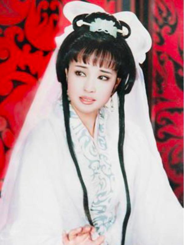 刘晓庆御用化妆师重出江湖,30岁变18岁,网友惊呼换头术