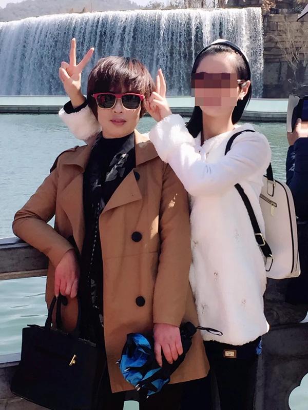 薛东琴和张雪母女合影 受访者供图