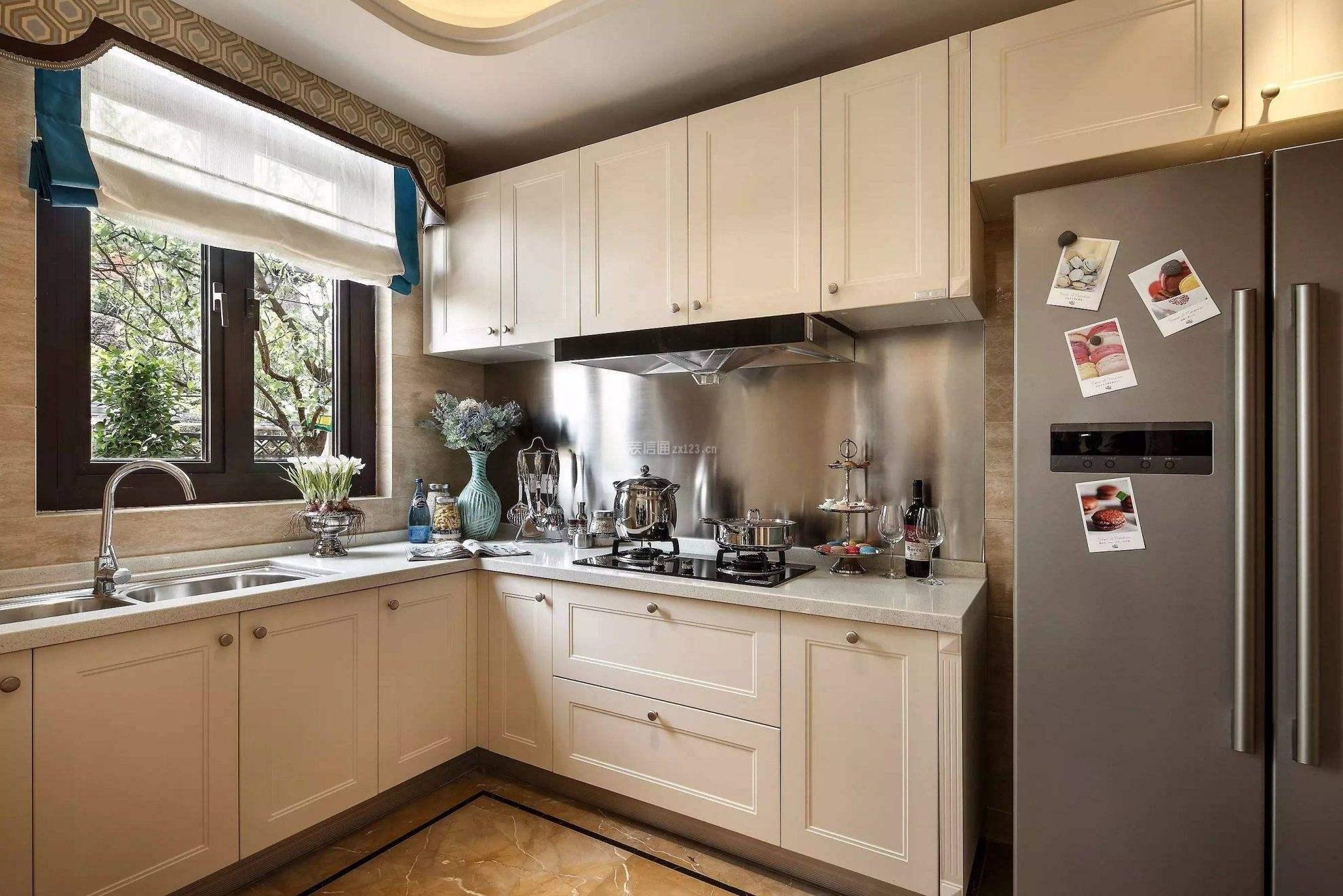 越来越多人不装厨房吊柜了,他们更潮流这样设计,省钱实用省空间