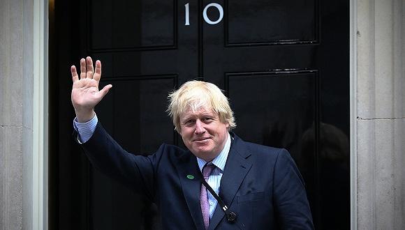 约翰逊为了硬脱欧要求暂停议会