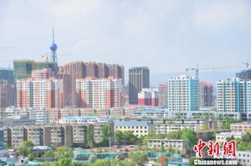 西宁城市一角的居民住宅。(资料图) 鲁丹阳 摄