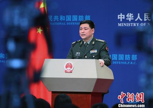 资料图:国防部新闻发言人任国强。中新社记者 宋吉河 摄