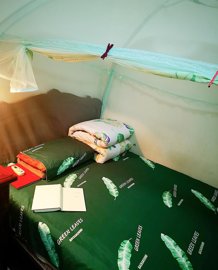 袁文婧的房間。