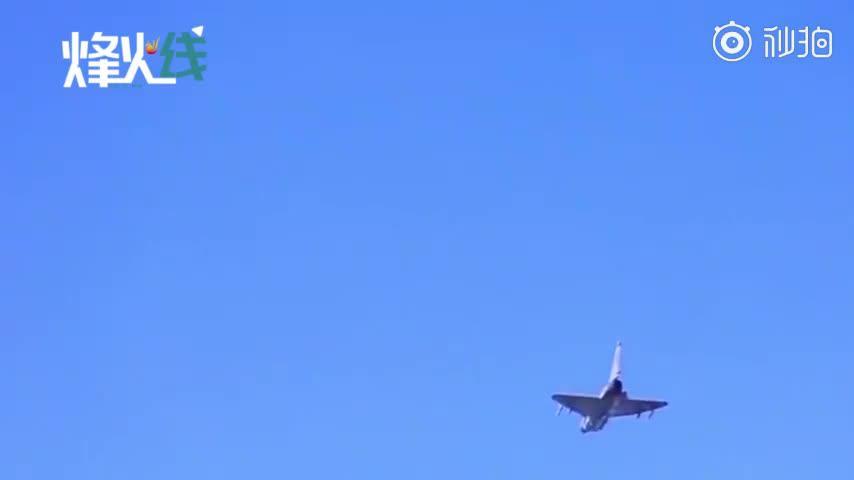 超高空侦察设备抵进我军领空歼-10C挂弹出击30秒击落