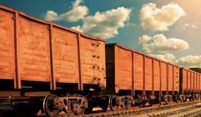 世界上最长的火车,长达约7000米,用途令中国都甘拜下风