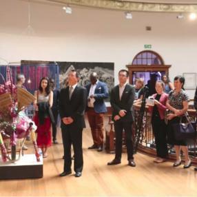 中南文化艺术展在德班美术馆开幕