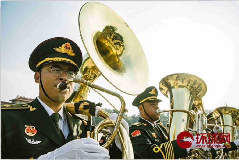 积极准备国庆70周年阅兵,联合军乐团于9月17日在北京昌平阅兵集训点进行训练。摄/李昊