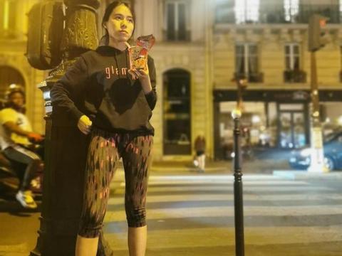 蔚来创始人李斌妻子王屹芝晒奢侈品引争议:被指再亏不亏老板娘