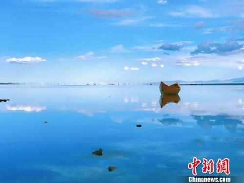 """中国产业扶贫质量全面提升 67%脱贫人口""""摘穷帽"""""""