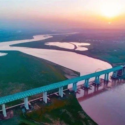 刚刚开通的浩勒报吉至吉安铁路 又创造了世界之最