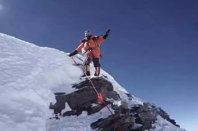 《攀登者》没提及的细节,细思恐极