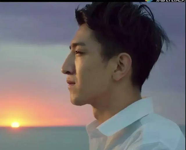 鼻子丑哭的男星,张若昀吴磊陈伟霆都榜上有名,但谁也丑不过他
