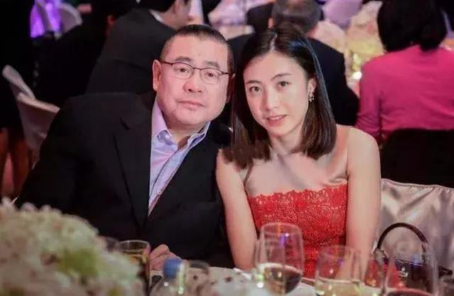 香港女富豪甘比庆40岁生日,收礼收到手软,天价豪宅意外曝光