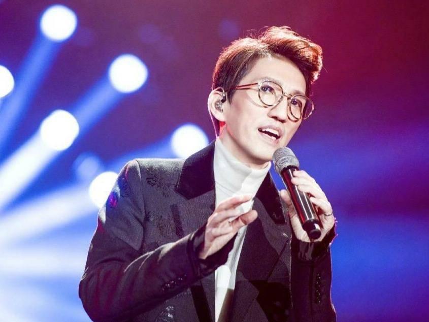 娱乐圈被曝隐婚生子的明星,蔡国庆第八,王子文第二,第一是谁?