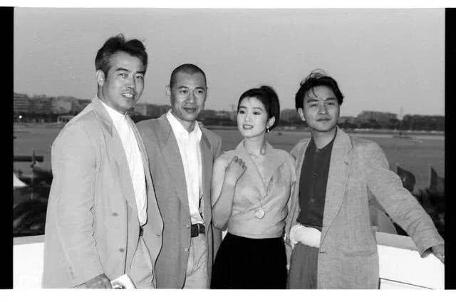 巩俐新加坡国籍问题再度发酵,让她来演郎平,是中国没女演员了吗
