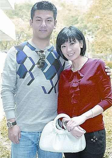 """经历离婚低谷、背上过气标签,45岁的贾静雯凭什么夺下""""视后""""?"""