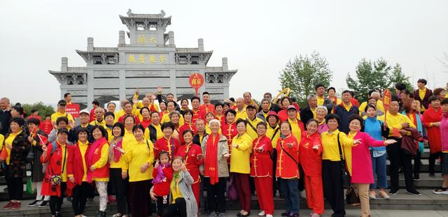 首届99重阳弘孝敬老节 昨日在中国九华山启动
