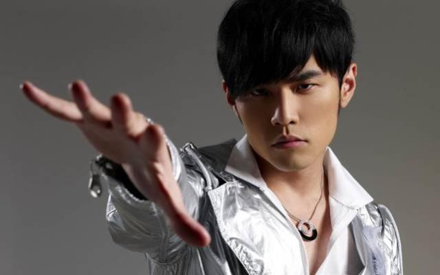 《六个国家都有一位音乐才子,韩国权志龙,英国艾兰沃克,中国是他》
