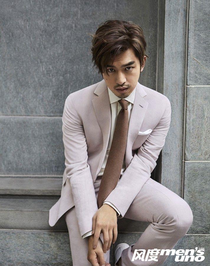 陈柏霖,告别以往暖男形象,轻西装带出十足型男风度,展潮流魅力