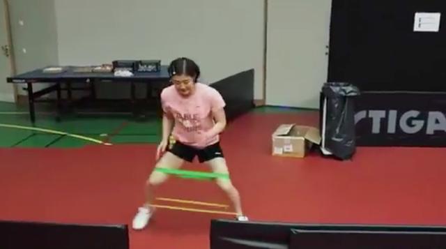 陈梦苦练体能!绷带绑腿拼命跑,王曼昱扔球训练孙颖莎反应能力