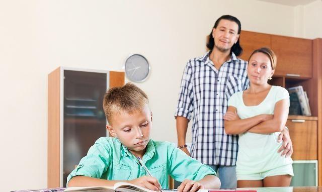 孩子沉迷游戏荒废学业
