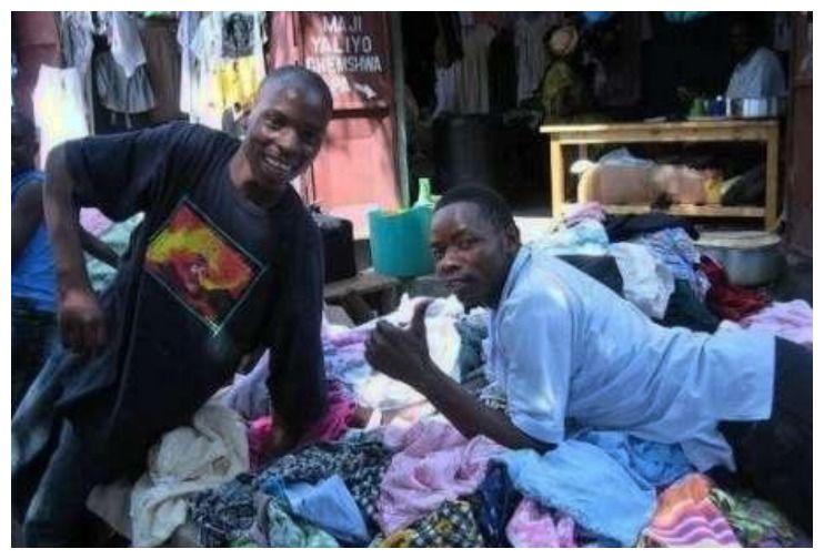 中国人当垃圾的二手货,到非洲后成潮流,校服被当地人抢购