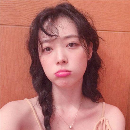 韩国明星雪莉自杀,娱乐圈到底有多大的压力?尊重生命有多难?