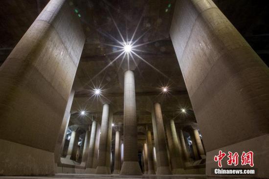 """这座""""地下宫殿""""保护东京不被淹:3天排水千万吨"""