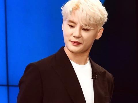韩国男星金俊秀出售酒店被骗1.8亿,JYJ组合堪称多灾多难