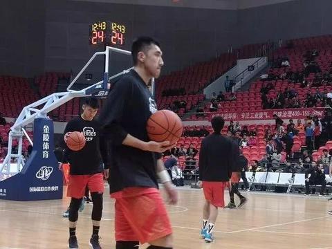 山东男篮狂胜上海38分 塞尔登离队坎南无缘报名 这是什么操作?