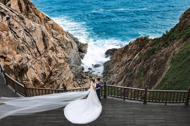 很多新人在厦门拍婚纱照是这样的,哪家摄影机构教的?佩服!