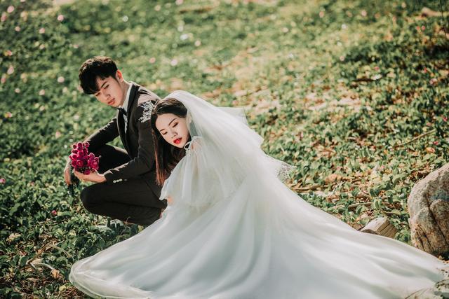 三亚旅拍婚纱照,靠谱的婚纱摄影机构到底有哪些?新人们不堪其扰
