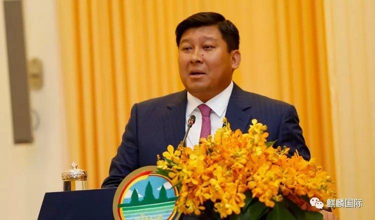 最高将罚款一万六,在柬埔寨的国人,你还敢乱扔垃圾吗?