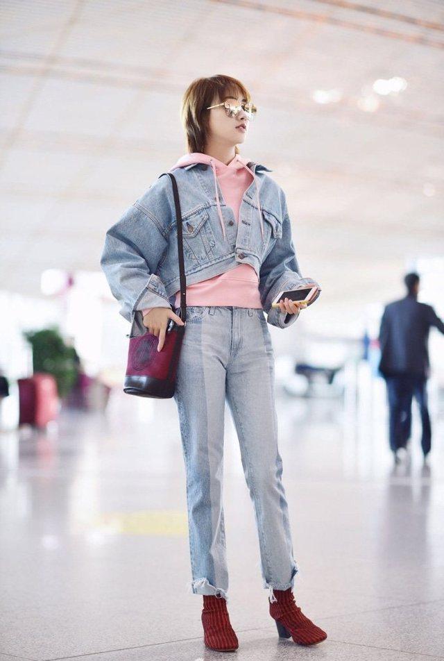 同穿牛仔装,赵丽颖穿成五五分,景甜气场一米八