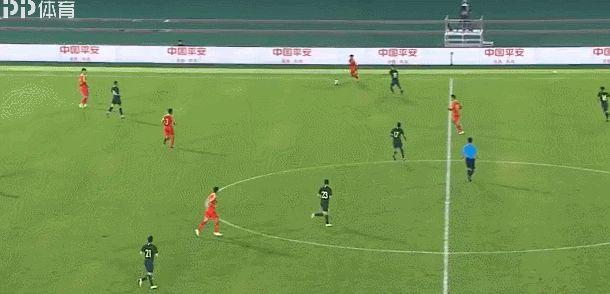 伤口撒盐!中国足球再遭暴击,国奥1-5比国足更惨