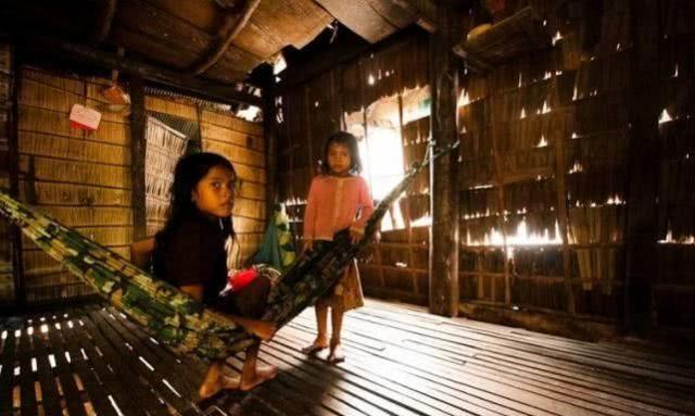 """柬埔寨女孩喜欢中国男人:但一""""特殊规定"""""""