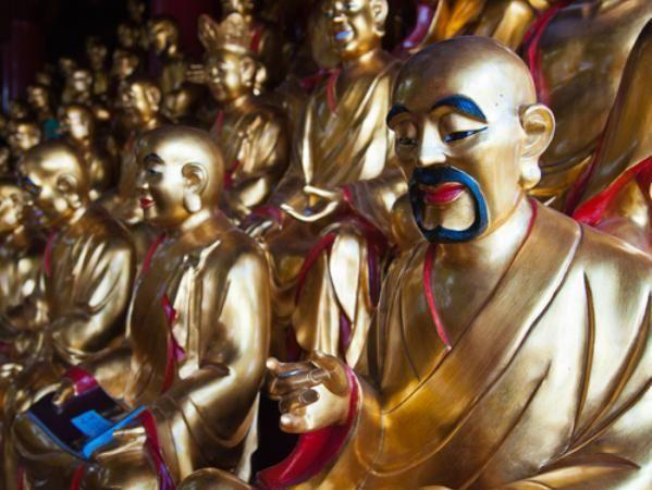 九华山唯一的肉身女佛像,肤色与常人无异,为何能保存如此完整