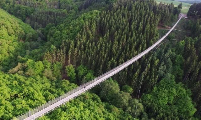 """德國最長的吊橋,花110萬歐元建成,被當地人視為""""吊橋鼻祖"""""""