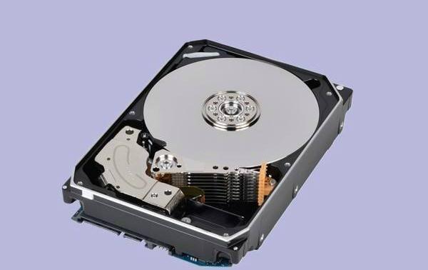 保存照片和文件 笨重的機械硬盤為何比固態硬盤靠譜?