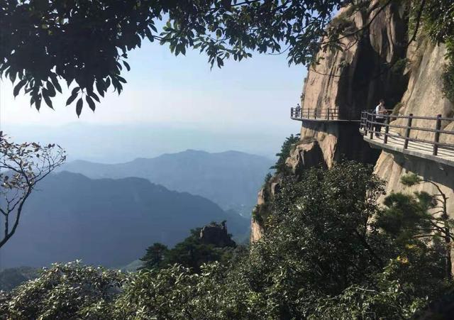 """安徽九华山有""""最高""""寺庙?海拔足有1306米,吸引众人"""