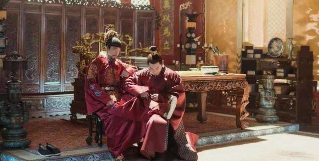 73岁的王学圻和55岁的梁冠华,看起来像兄弟,秘诀是什么?