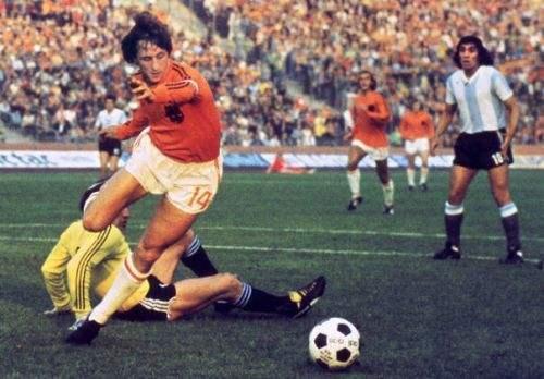 """""""荷兰""""将改名""""尼德兰""""!明年1月开始起用 橙色军团有了新名字"""