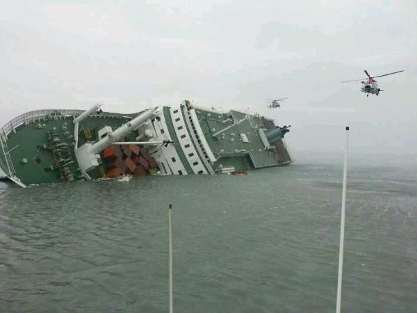 不幸消息传来,耗资60亿建造,全球第七大邮轮,地中海首航撞了