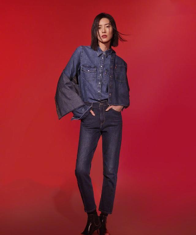 刘雯杨紫牛仔裤造型男友力十足,教你这样穿搭,时髦有态度