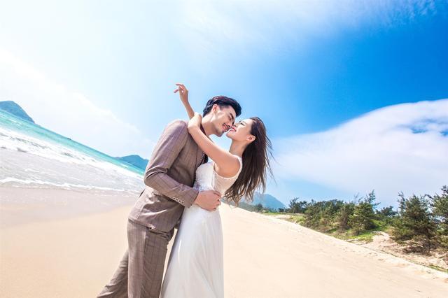 拍摄婚纱照都有哪些风格?三亚旅拍,和传统内景拍摄婚纱照说拜拜
