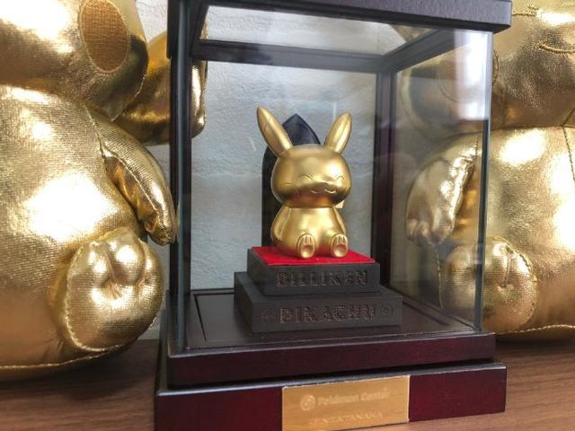 男人的浪漫!日本土豪花巨額買下「黃金皮卡丘」竟只是冰山一角...看完收藏:下巴掉下來