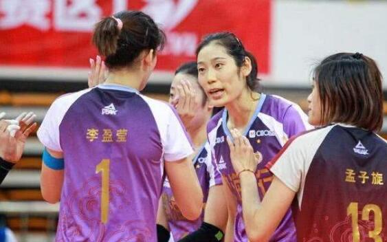 排超總決賽第二場,朱李組合表現出色,上海女排雖敗猶榮