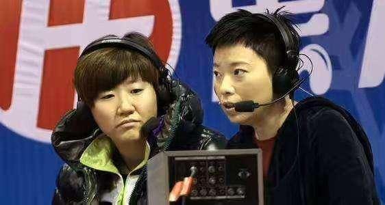 国乒世界冠军出席活动,时隔多年再展球技,退出解说坛后身材发福